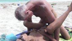 Lesbischer öffentlicher Strand Sex